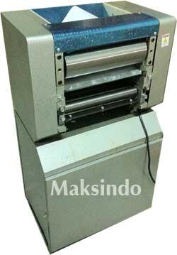 Mesin Mixer Adonan Mie dari Maksindo